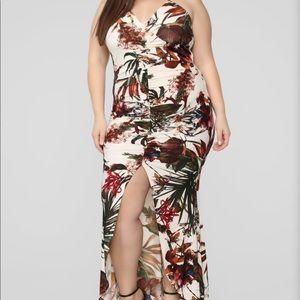 Fashion Nova Maxi dress- NWT